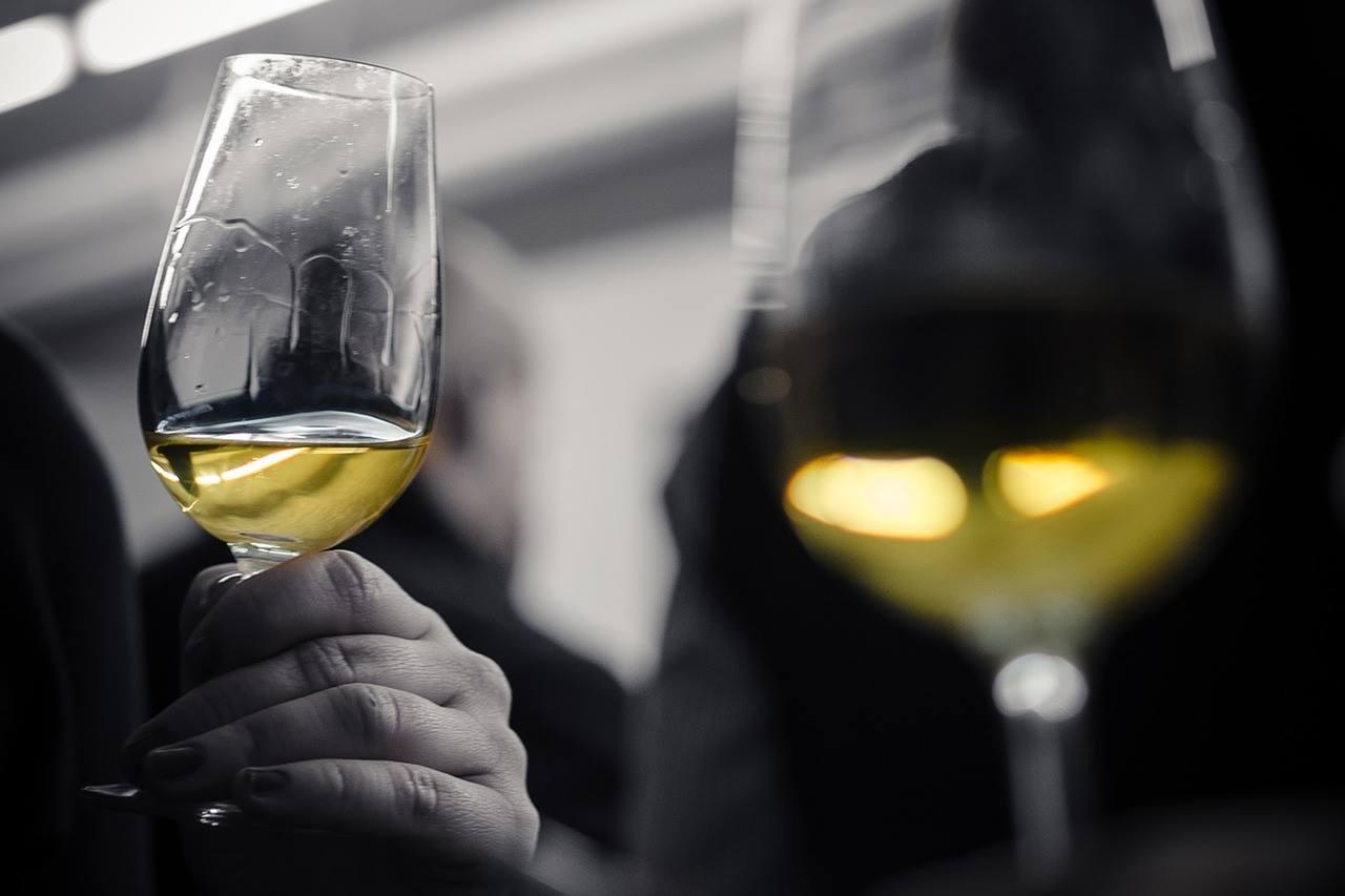 """Toute l'année, des ateliers """"dégustations"""" sont organisés aux Caves de Joseph. Elles ont pour thèmes : les principales régions viticoles ou les grands spiritueux."""