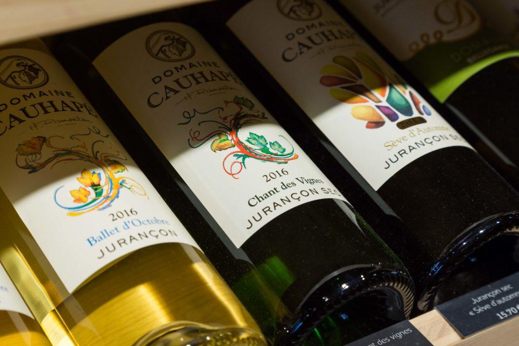 Vous trouverez aux Caves de Joseph des vins de terroir qui respectent la nature et qui mettent en avant le savoir faire des vignerons.